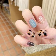 蓝色豹纹秋冬美甲图片