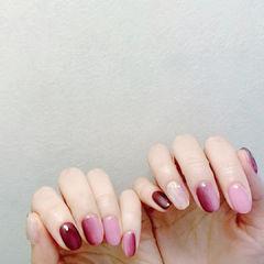 粉色红色玫红色渐变竖形渐变美甲图片