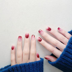 红色紫色玫红色渐变美甲图片