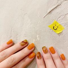 橙色焦糖色美甲图片