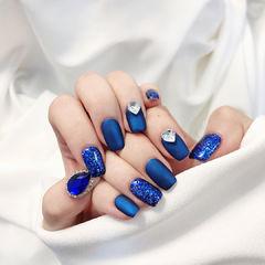 蓝色宝蓝色钻磨砂美甲图片
