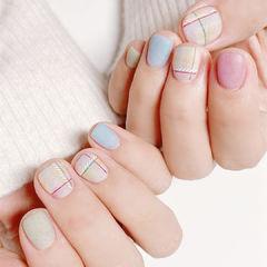 磨砂粉色蓝色短指甲美甲图片