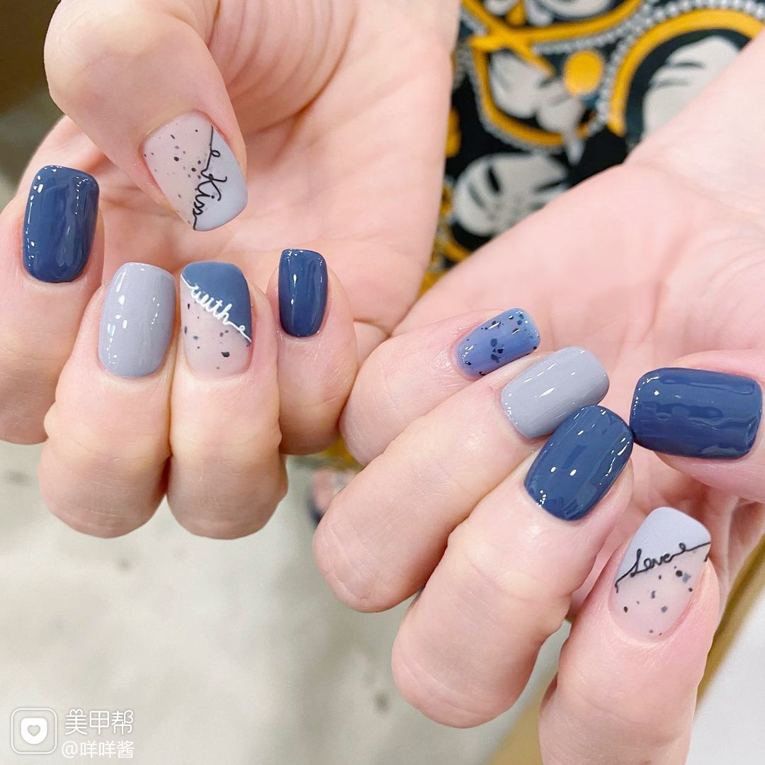 蓝色磨砂美甲图片