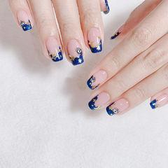 蓝色可爱手绘美甲图片