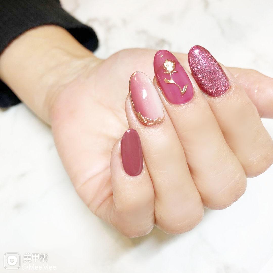 粉色紫色竖形渐变美甲图片