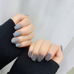 灰色磨砂鸳鸯甲美甲图片