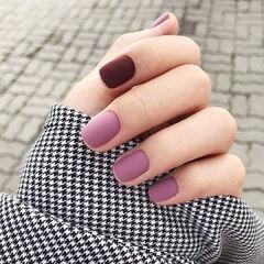 紫色磨砂美甲图片