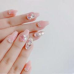 钻粉色美甲图片