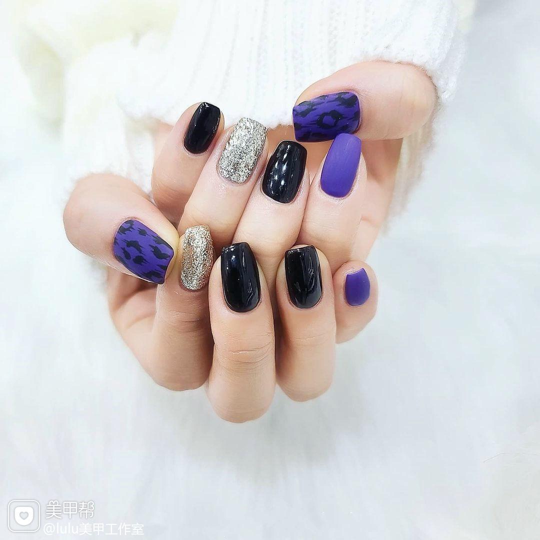 黑色紫色豹纹美甲图片