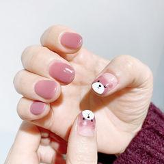 粉色小熊美甲图片