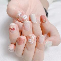 花朵粉色白色美甲图片