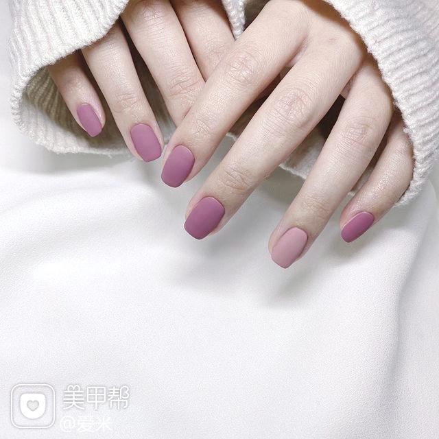 粉色紫色磨砂美甲图片