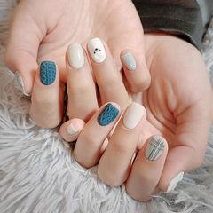 蓝色白色磨砂美甲图片