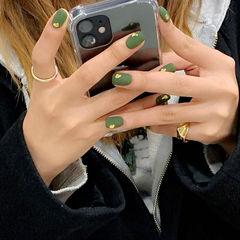 绿色磨砂美甲图片