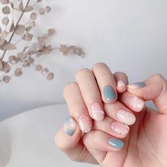 蓝色粉色美甲图片