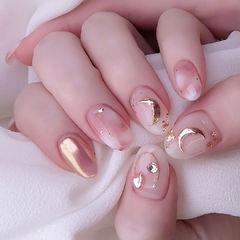 月亮粉色美甲图片