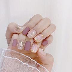 香芋紫色钻美甲图片