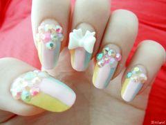 白色粉色圆形日式可爱粉嫩甜到心冰淇淋色美甲,大爱款啊~~美甲图片
