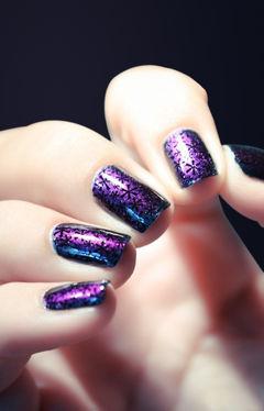 渐变方圆形蓝色紫色紫色雪花美甲,圣诞气息浓烈的款式~美甲图片