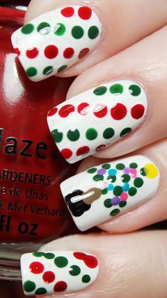白色绿色红色方圆形手绘圣诞美甲 波点控美甲图片