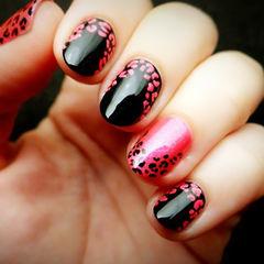 黑色红色圆形简约手绘短指甲系列 红宝石 豹纹的美美甲图片