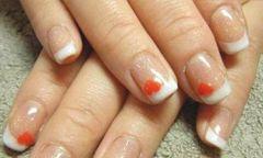 白色方圆形法式红心法式美甲美甲图片