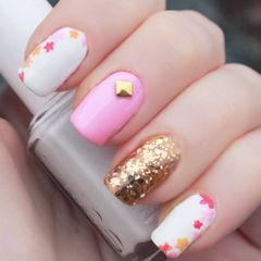 日式可爱简约手绘创意韩式可爱粉嫩甲美甲图片