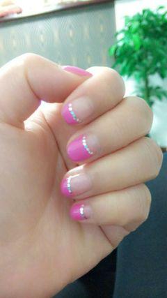 法式粉色指甲有点短了~没忍住又去做了~美甲图片