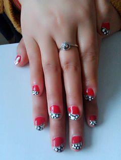 手绘红色黑色短指甲也漂亮!美甲图片