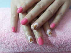 圆形可爱粉色桃心美甲图片