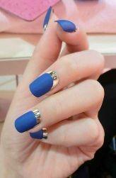 简约蓝色方形磨砂美甲图片