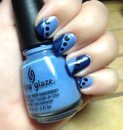 蓝色简约方圆形蓝色斜法式波点美甲图片