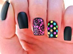 黑色粉色其他方形彩色波点美甲图片