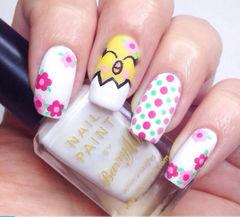 白色手绘光疗方形可爱手绘粉色波点卡通小鸡美甲美甲图片