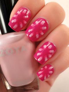 粉色简约方圆形粉色烟花,渐变色波点图案美甲美甲图片