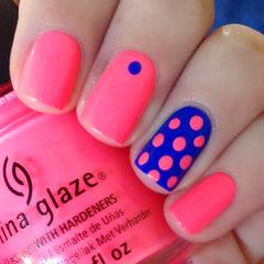 粉色蓝色可爱简约方圆形粉嫩波点美甲图片