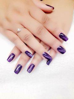 方圆形紫色法式猫眼美甲图片