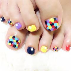 脚圆形黄色紫色蓝色简约可爱可爱的大波点美足美甲图片