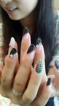 可爱法式黑色粉色绿色圆形最近比较喜欢编织格纹美甲图片