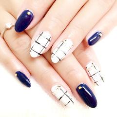 日式圆形白色蓝色简约大格纹美甲图片