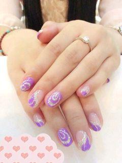 方圆形紫色银色法式手绘美女独爱紫色,配上银色线条,有不有很嫩的感觉美甲图片