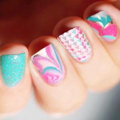 方形蓝色粉色简约水波纹撞色美甲图片