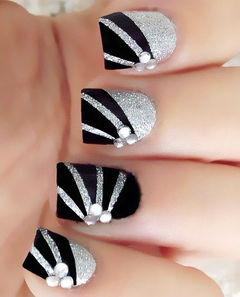 黑色银色简约方形简约线条感美甲图片