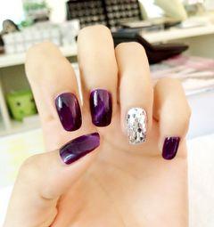 方圆形光疗紫猫眼甲的正真魅力美甲图片