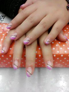 圆形紫色粉色日式线条美美甲图片
