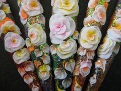 方圆形雕花白色韩式雕花美甲图片