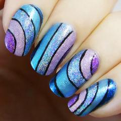 简约紫色蓝色圆形蓝紫色水波纹美甲图片