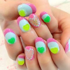 粉色蓝色绿色其他圆形荧光撞色立体爱心款美甲图片