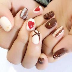 白色咖啡色日式圆形巧克力美甲甜蜜爱心巧克力款美甲图片