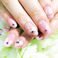 简约粉色圆形粉嫩爱心款美甲图片